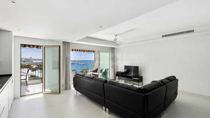 Beachside apartment - Apartment for sale in Playa Bajadilla - Puertos, Marbella city