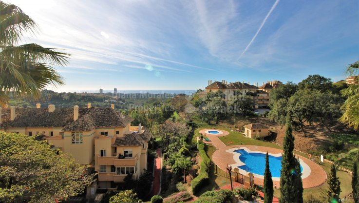 First floor apartment with stunning views - Apartment for sale in Elviria Hills, Marbella East