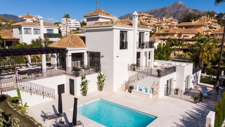 Los Naranjos Hill Club, Beautifully renovated villa in a gated community