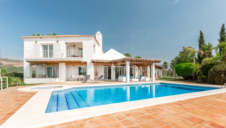 La Alqueria, South-facing villa close to golf courses
