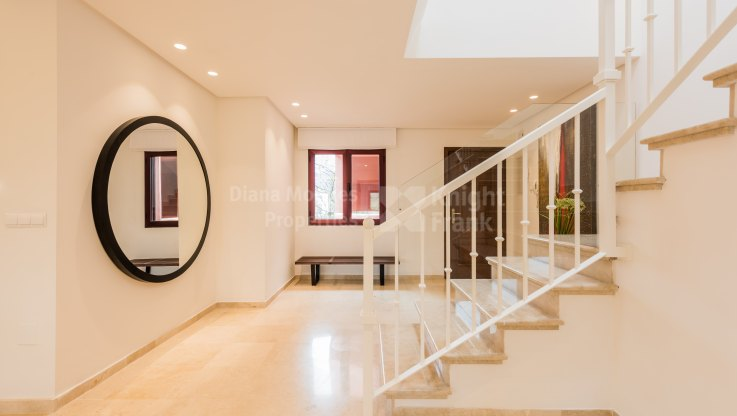 Beachfront Duplex Penthouse - Duplex Penthouse for sale in Alicate Playa, Marbella East