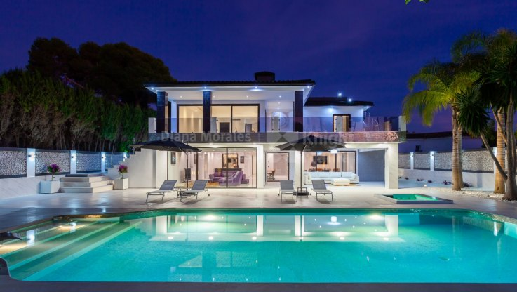 Villa for sale - Villa for sale in Los Monteros, Marbella East