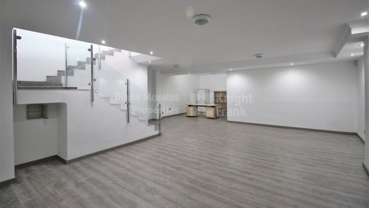 Spacious commercial premises in the golden mile - Commercial Premises for sale in Beach Side Golden Mile, Marbella Golden Mile