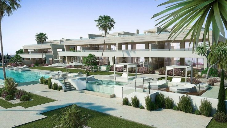 Marbella Golden Mile, Attractive ground floor apartment on the Golden Mile