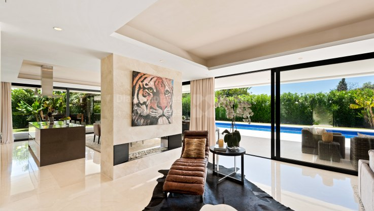 Villa in gated condominium - Villa for sale in Altos de Puente Romano, Marbella Golden Mile