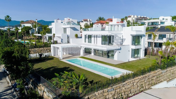 Villa in Los Flamingos with stunning views