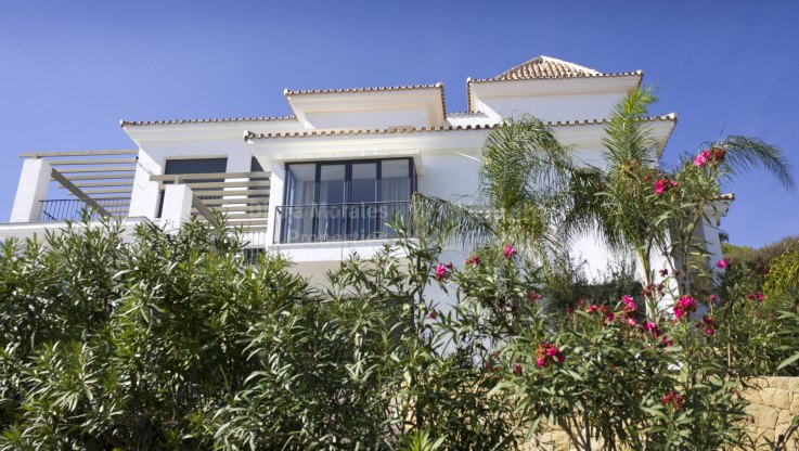 Villa with amazing panoramic views - Villa for sale in Los Altos de los Monteros, Marbella East