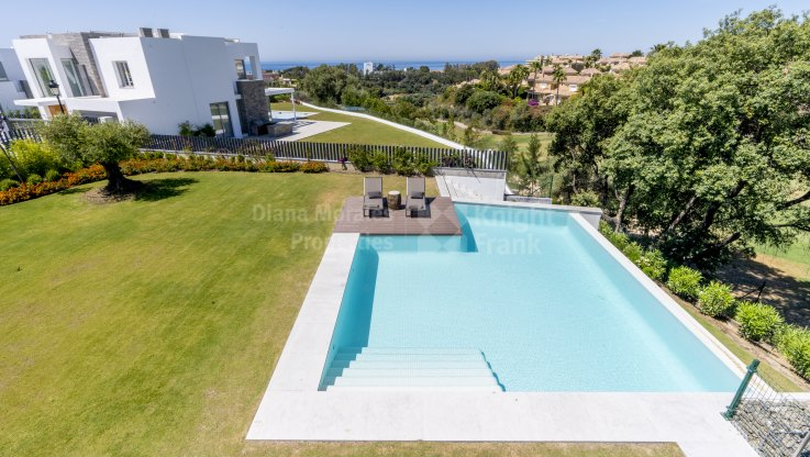 Santa Clara, Newly built villa with modern design and sea views