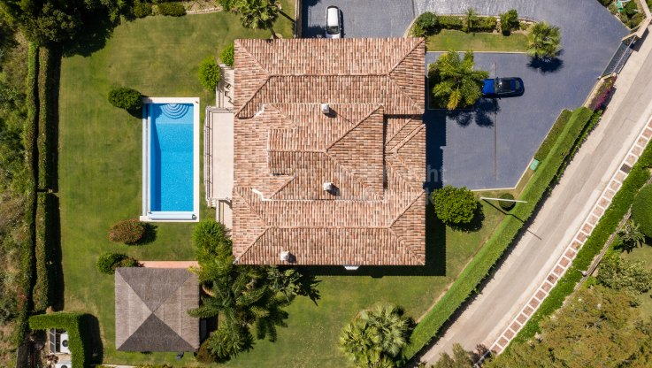 South facing villa in gated community - Villa for sale in Vega del Colorado, Benahavis