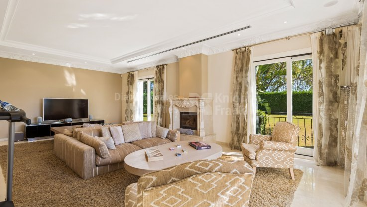 Modern Villa in Gated Community - Villa for sale in Vega del Colorado, Benahavis