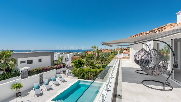 Seghers, Villa with sea views in Estepona