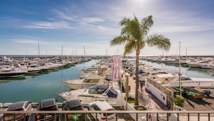 Apartment with sea views - Apartment for sale in Marbella - Puerto Banus