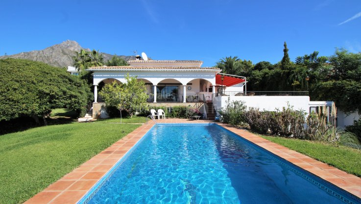 Rocio de Nagüeles, Villa in Rocio Nagueles with great potential
