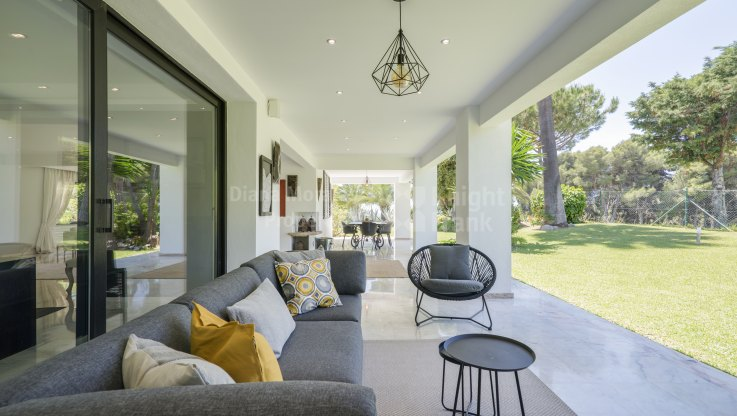 Frontline golf villa - Villa for sale in Rio Real Golf, Marbella East