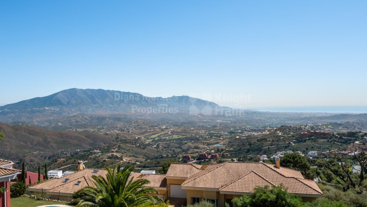 La Mairena, Townhouse in a beautiful location with panoramic views