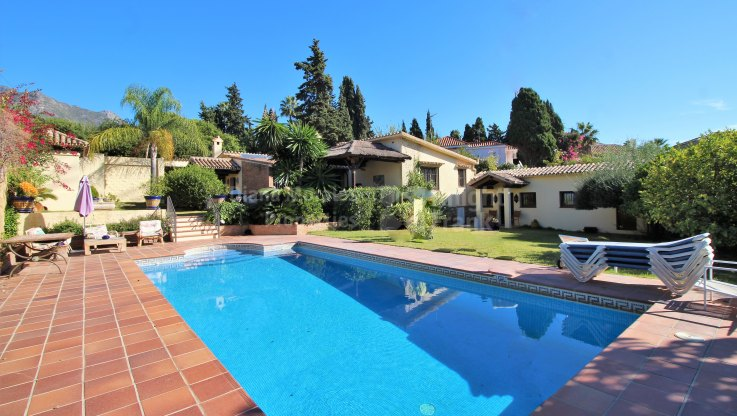 Marbella Montaña, Villa for sale with great potential