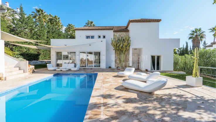 Marbella Country Club, Villa in gated community close to golf course