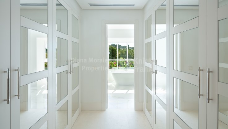 Exquisite new villa in the heart of the Golf Valley - Villa for sale in Las Brisas, Nueva Andalucia