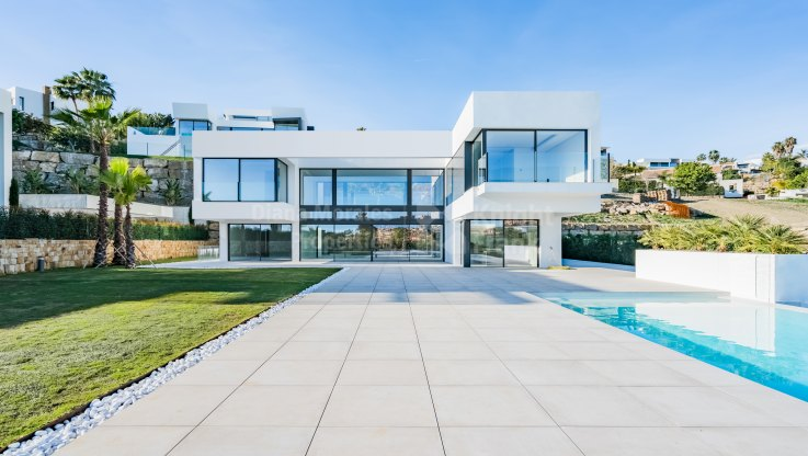 Newly built modern house in La Alqueria