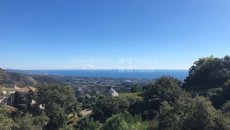 Building plot with sea views in La Zagaleta