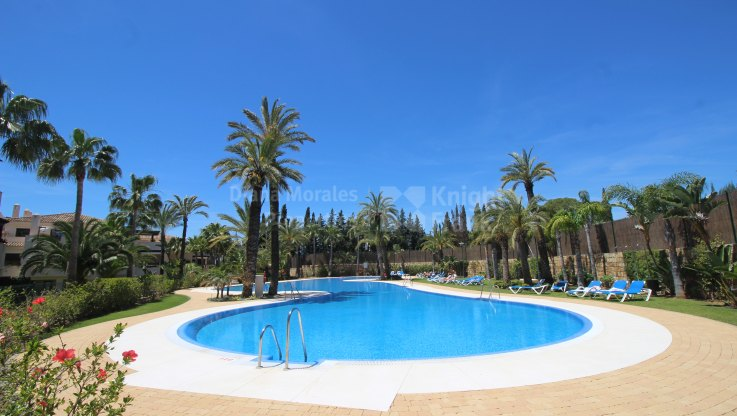 Medina de Banús, One bedroom apartment on the ground floor
