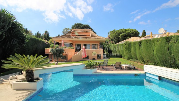 Las Brisas, Family villa in the golf valley