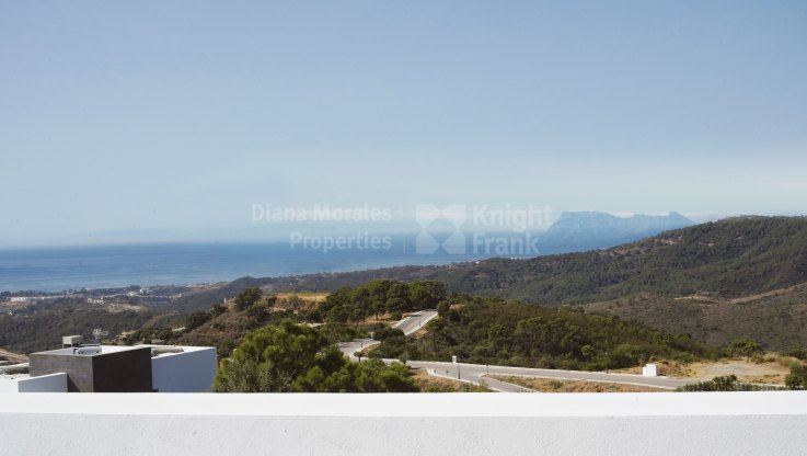 Monte Mayor, New villa with excellent modern design