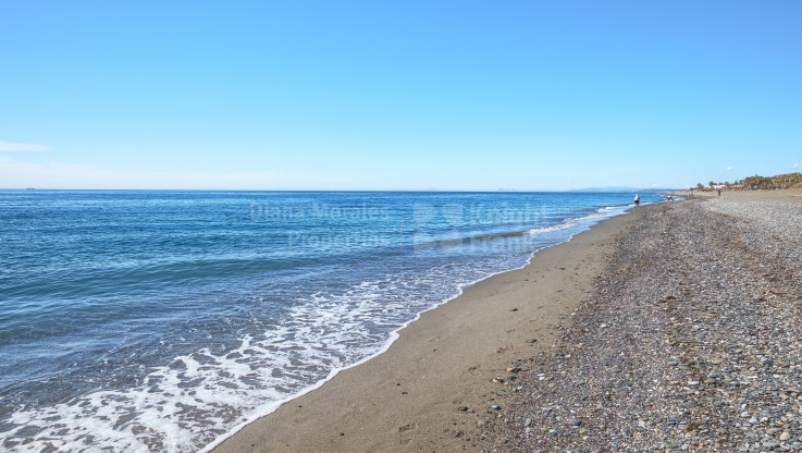 Beachside apartment with south orientation - Apartment for sale in Costalita, Estepona