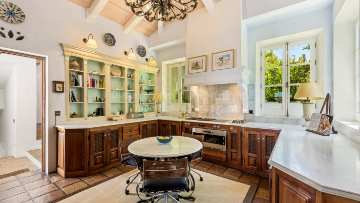 Distinctive Villa - Villa for sale in Sierra Blanca, Marbella Golden Mile
