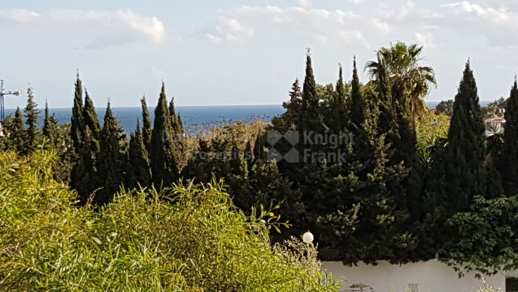 Altos de Puente Romano, Plot for sale in the Golden Mile