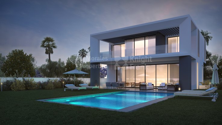 Marbella - Puerto Banus, Modern second line beach villa within walking distance of Puerto Banús