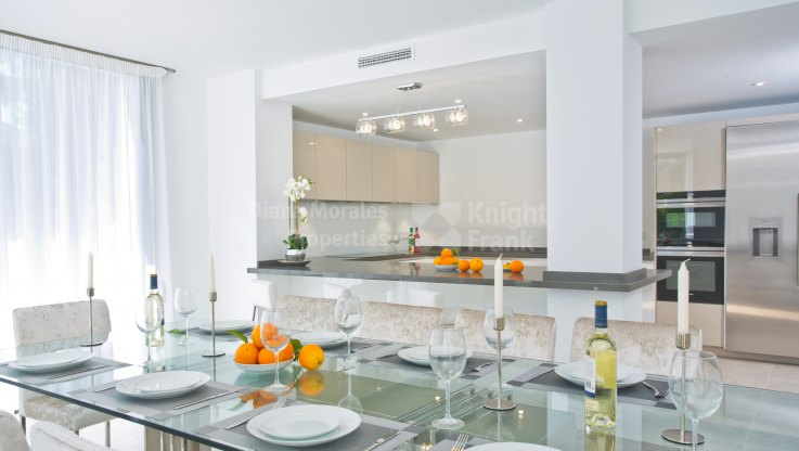 Stunning Modern Villa in the heart of the Golf Valley - Villa for sale in Las Brisas, Nueva Andalucia