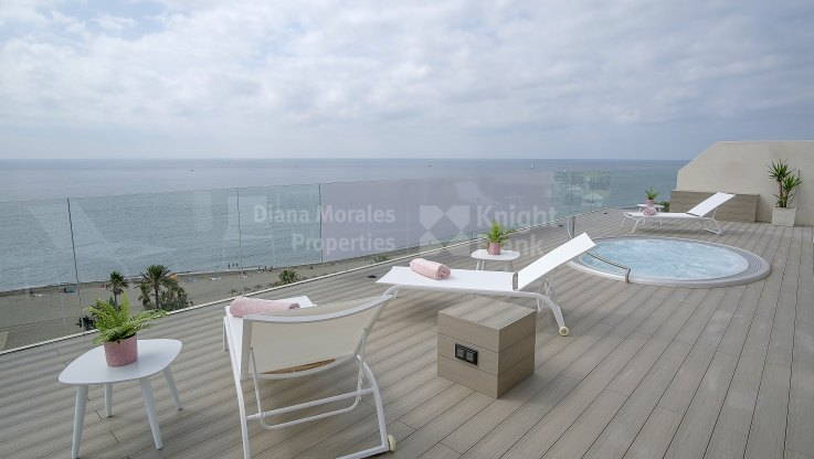 Estepona Playa, Luxury penthouse on the beachfront