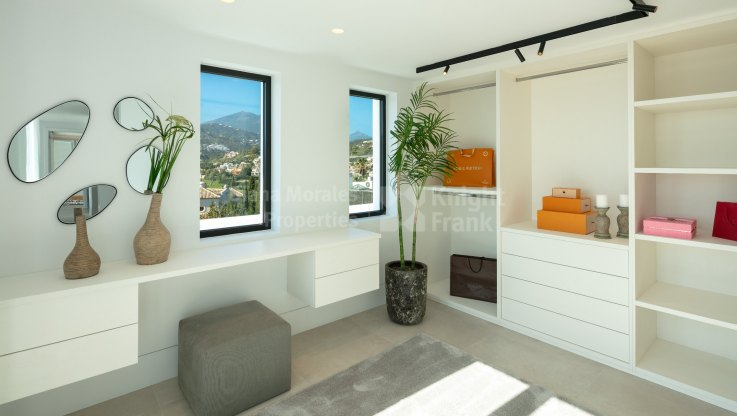 Modern villa in the Golf Valley - Villa for sale in Los Naranjos Golf, Nueva Andalucia