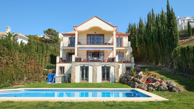 El Capitan, Clasic villa with panoramic sea and mountain views