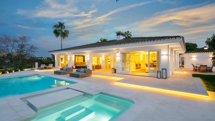 Superb villa frontline golf Las Brisas