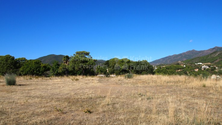 Spectacular building land with sea views close to Marbella - Plot for sale in Monte Mayor, Benahavis