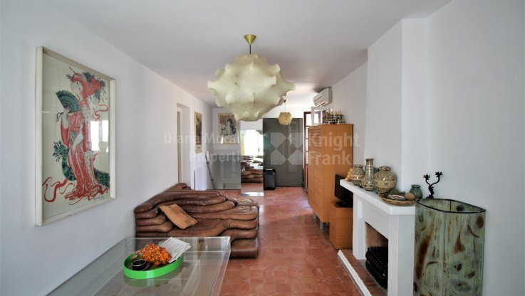 Semi detached house in beachside location - Semi Detached House for sale in Villacana, Estepona