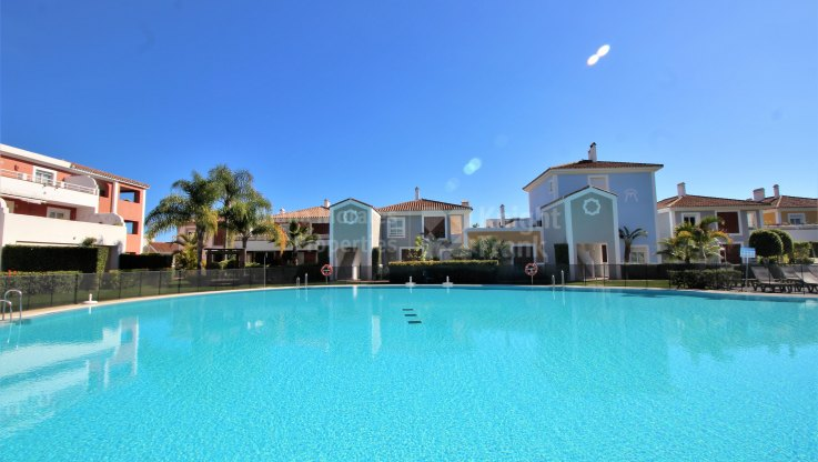 First floor apartment in Cortijo del Mar - Apartment for sale in Cortijo del Mar, Estepona