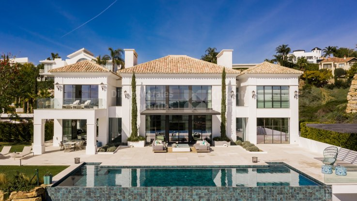 Frontline golf modern villa in Los Flamingos - Villa for sale in Los Flamingos Golf, Benahavis