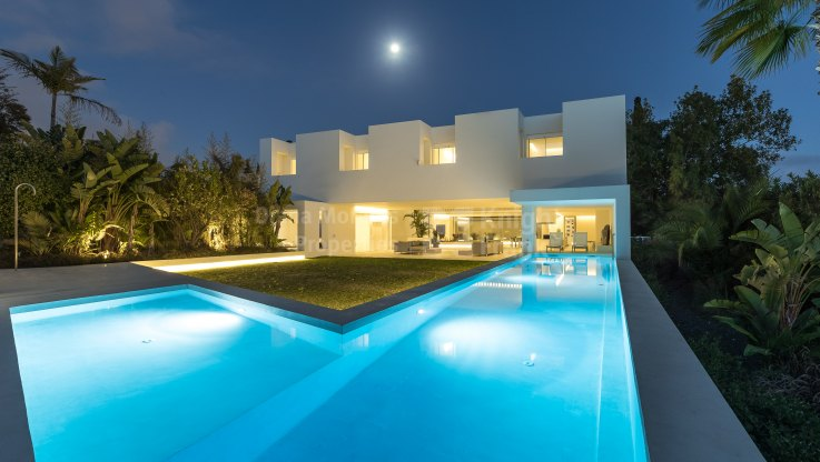 Guadalmina Alta, Ultramodern villa next to Guadalmina Club House