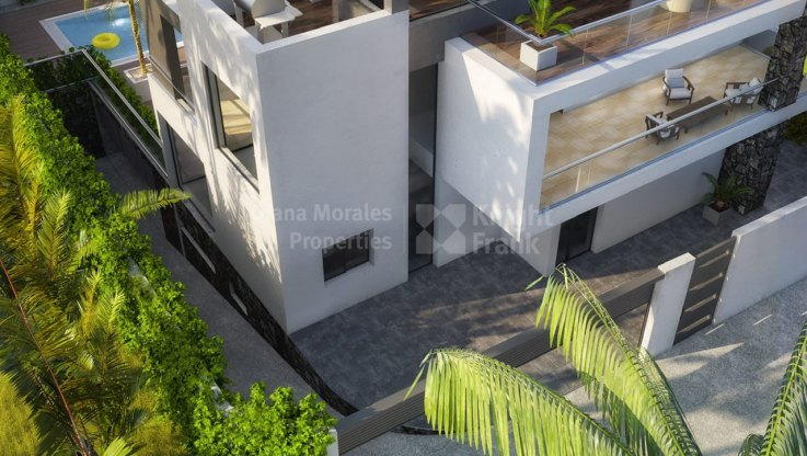 Villa within Walking to the Beach - Villa for sale in Casablanca, Marbella Golden Mile