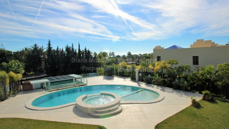 Modern Architecture - Villa for sale in Bahia de Marbella, Marbella East