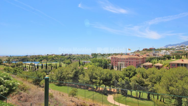 Modern and spacious apartment - Ground Floor Apartment for sale in Los Flamingos Golf, Benahavis