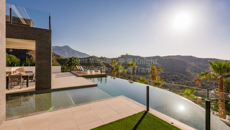 Lomas de La Quinta, New Build contemporary villa