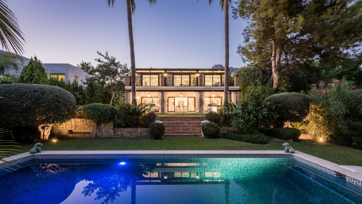 Property in Altos Reales - Villa for sale in Altos Reales, Marbella Golden Mile