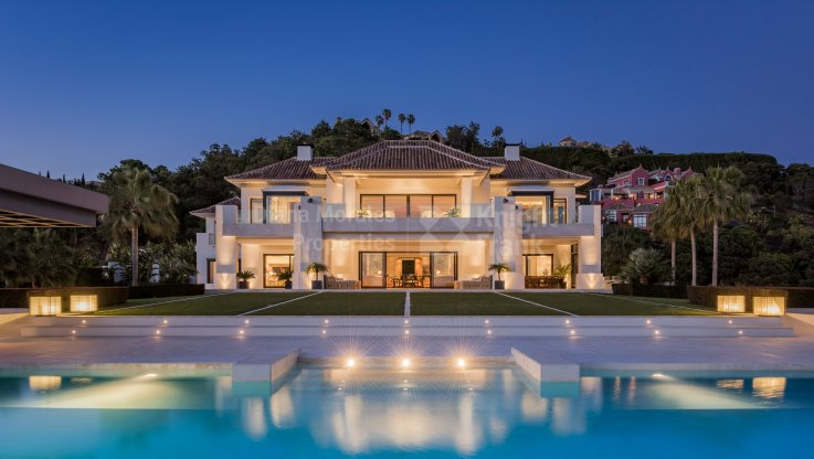 Luxurious residence in unique setting - Villa for sale in La Zagaleta, Benahavis