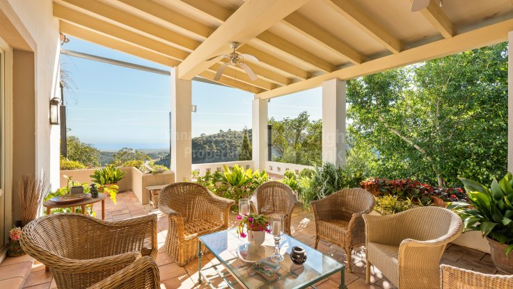 El Madroñal, Traditional Elegant Estate with Panoramic Views