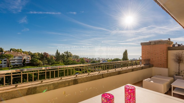 Stylish penthouse in the heart of the Golden Mile - Duplex Penthouse for sale in La Trinidad, Marbella Golden Mile