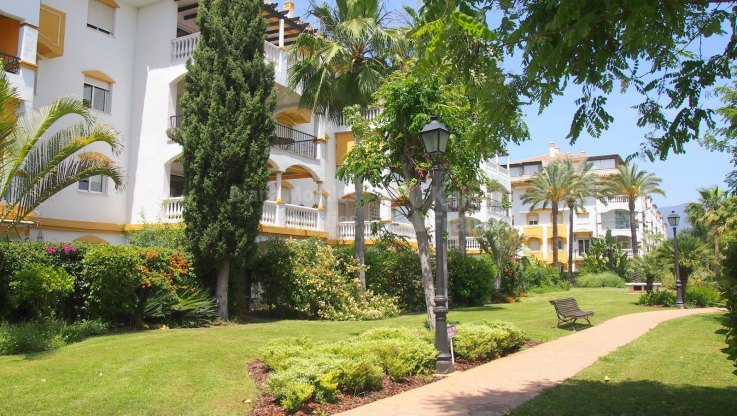 Garden Apartment Close To Puerto Banus - Ground Floor Apartment for sale in La Dama de Noche, Nueva Andalucia